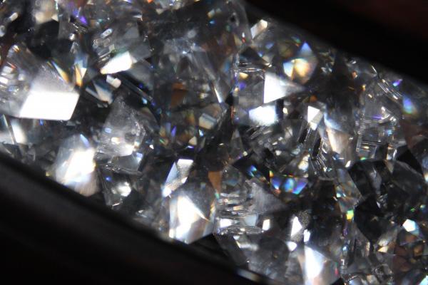 ダイヤモンドの偽物