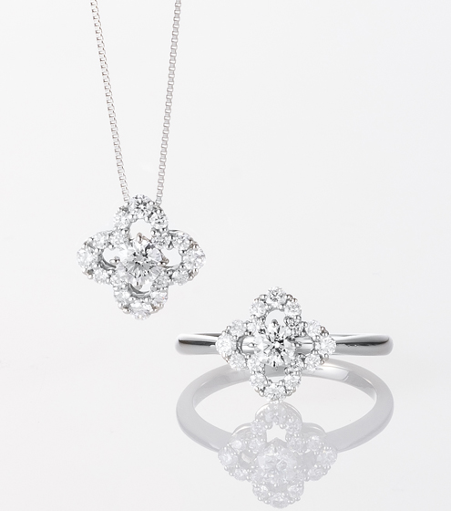 Flower motif diamond